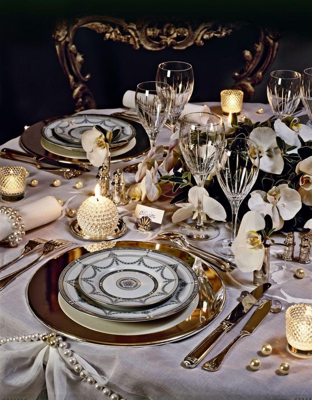 Inspiring Romantic Dining Table Decor Ideas 26