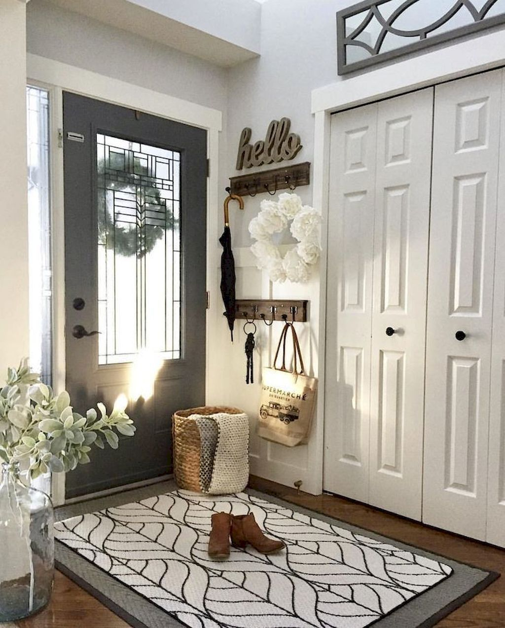 Popular Entryway Decor Ideas You Should Copy Now 11