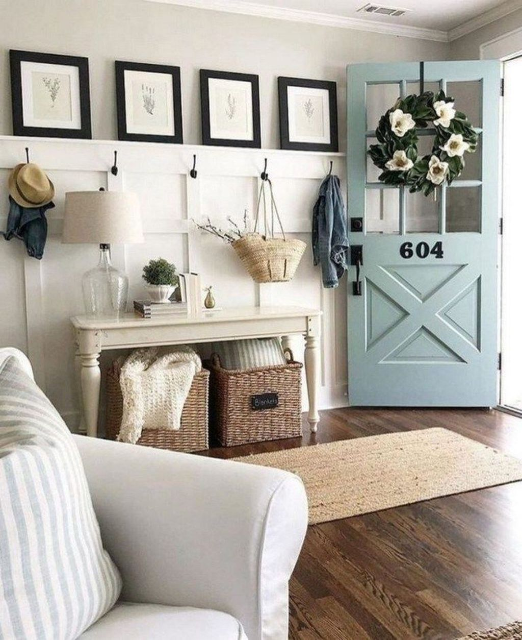 Popular Entryway Decor Ideas You Should Copy Now 20