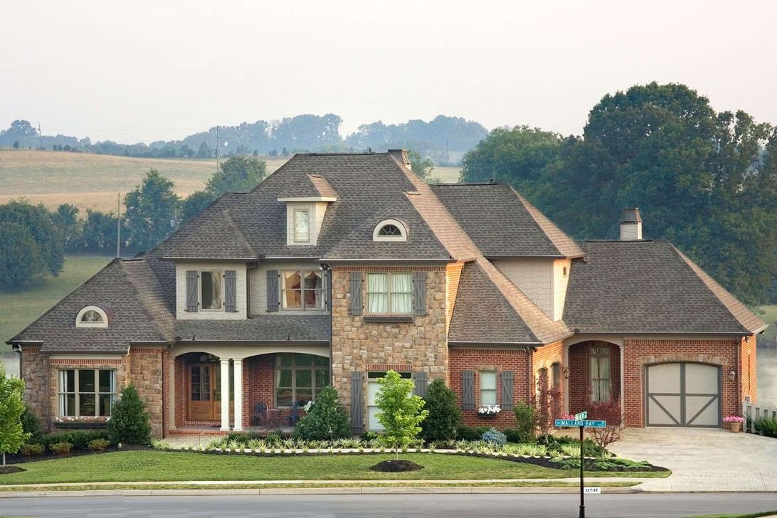 The Best European House Exterior Design Ideas 26
