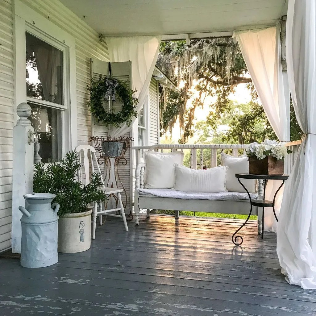 The Best Small Front Porch Ideas To Beautify Your Home 12