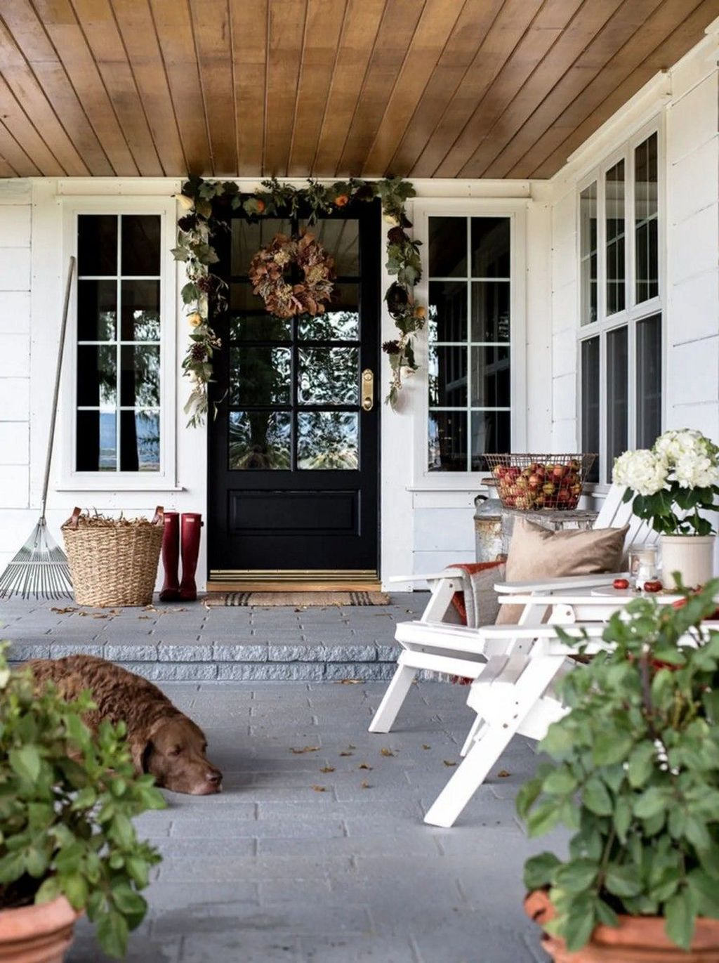 The Best Small Front Porch Ideas To Beautify Your Home 16