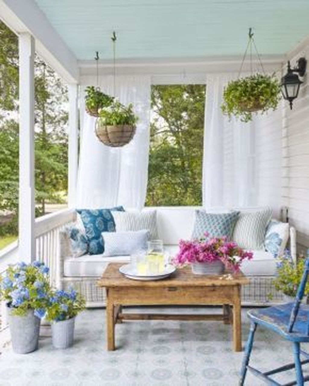 The Best Small Front Porch Ideas To Beautify Your Home 25