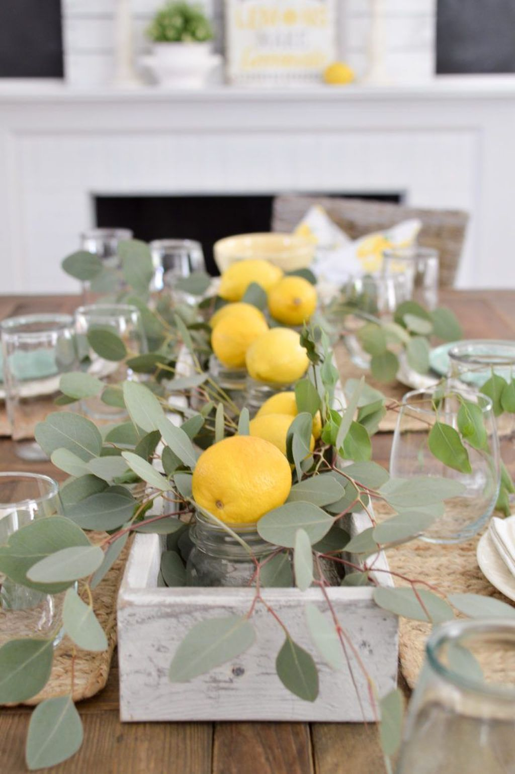 Awesome Spring Table Centerpieces With Farmhouse Style 05