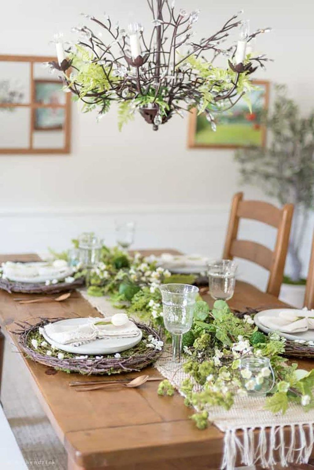 Awesome Spring Table Centerpieces With Farmhouse Style 19