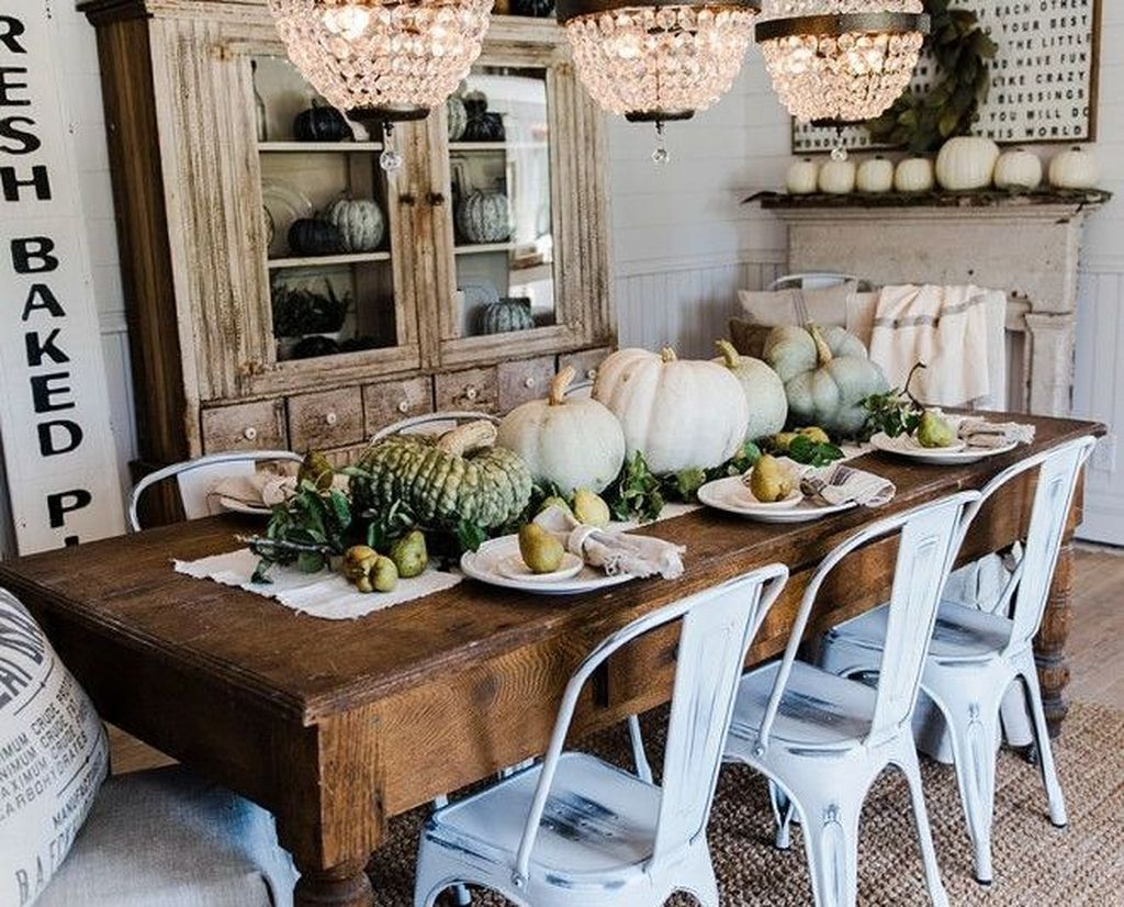 Awesome Spring Table Centerpieces With Farmhouse Style 30