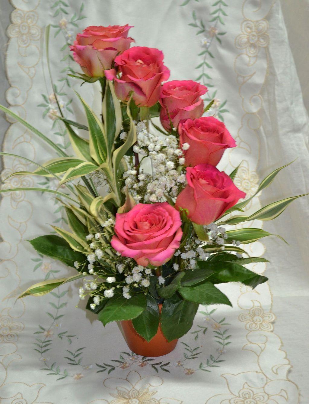 Beautiful Spring Floral Arrangements For Home Decoration 19