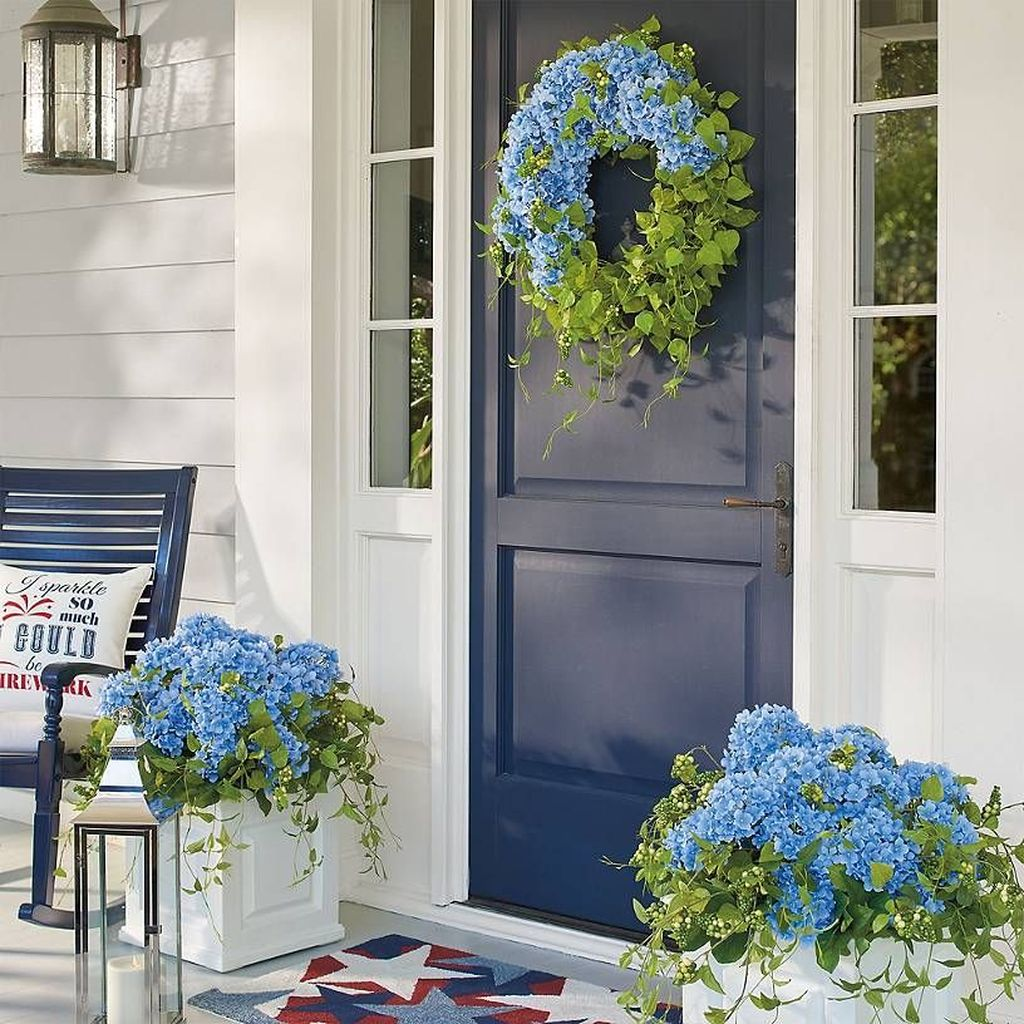Beautiful Spring Outdoor Decor Ideas 11