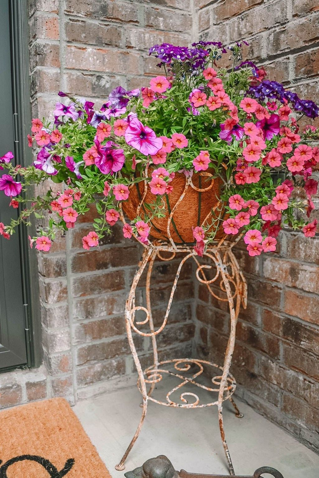 Beautiful Spring Outdoor Decor Ideas 18
