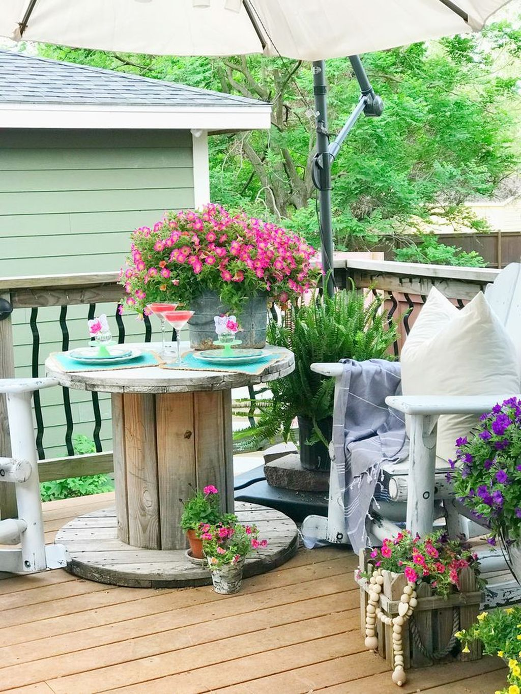 Beautiful Spring Outdoor Decor Ideas 32