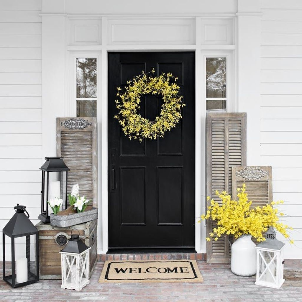 Fascinating Spring Porch Decor Ideas With Farmhouse Style 03