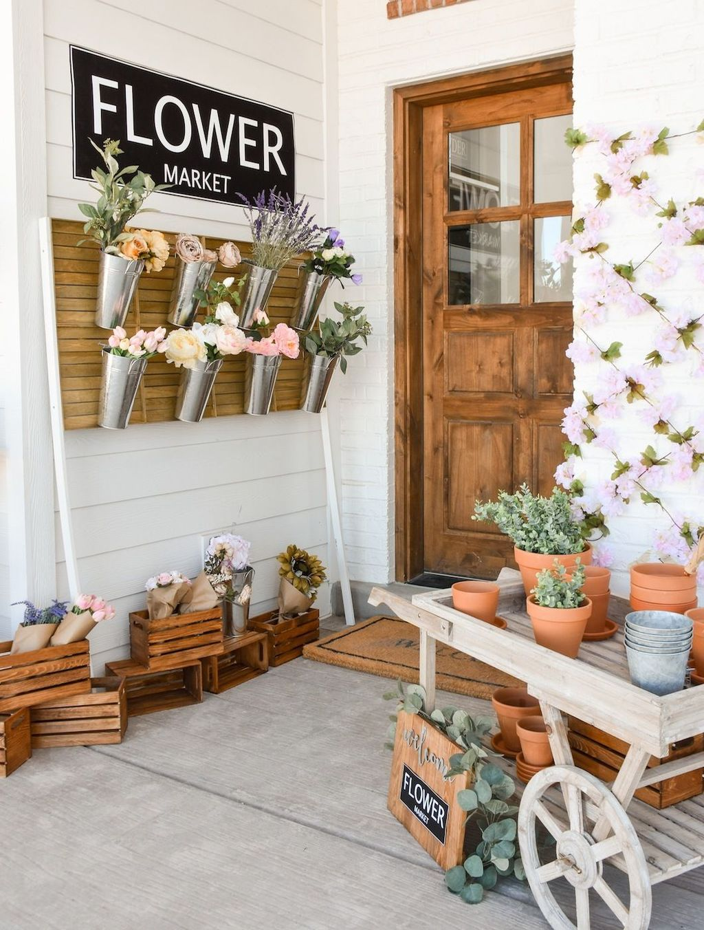 Fascinating Spring Porch Decor Ideas With Farmhouse Style 04