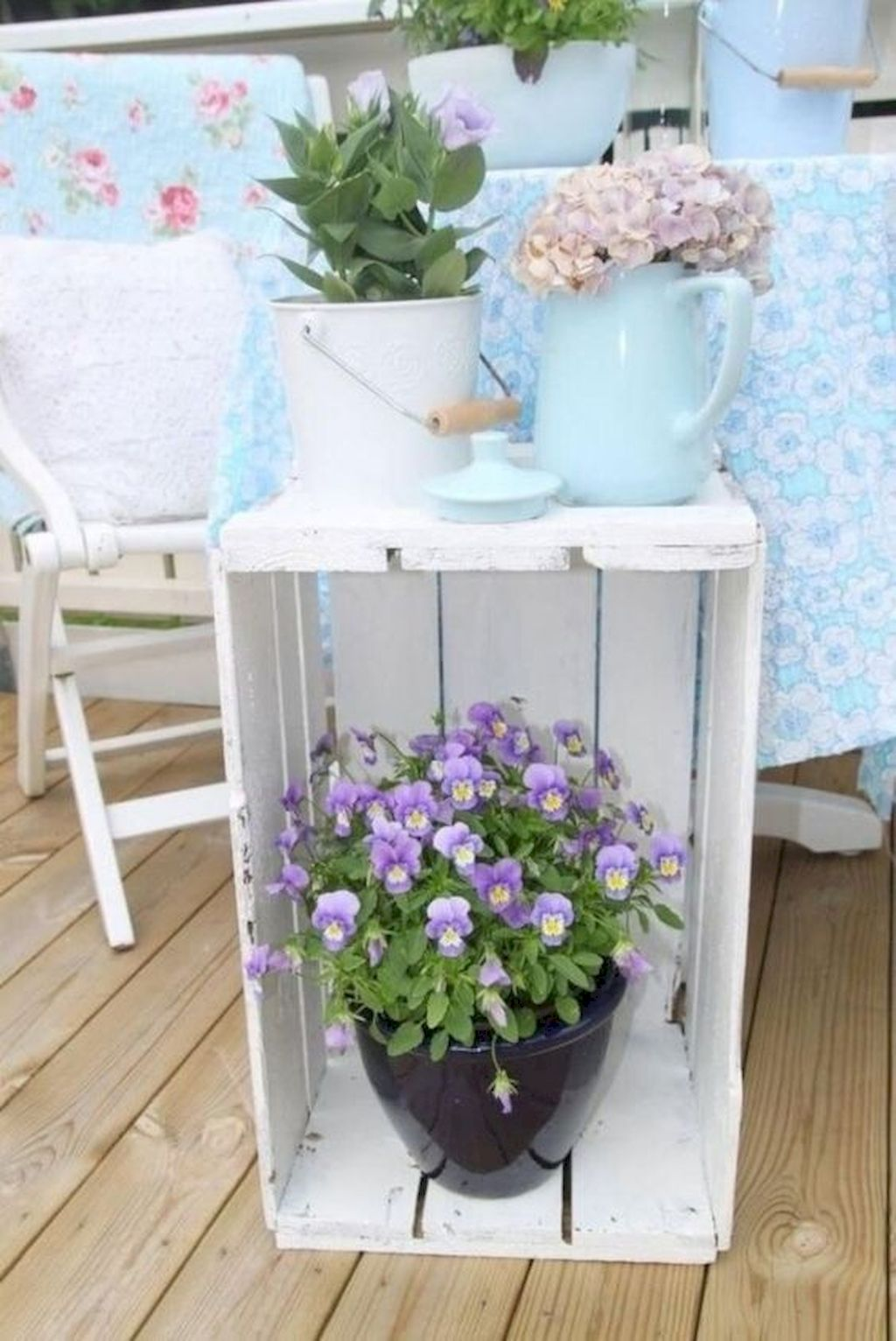 Fascinating Spring Porch Decor Ideas With Farmhouse Style 09