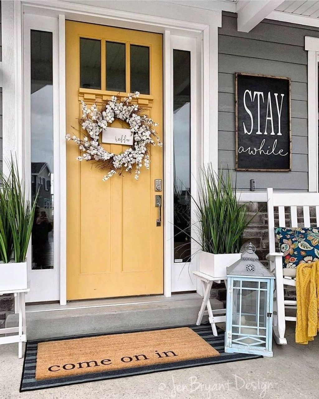 Fascinating Spring Porch Decor Ideas With Farmhouse Style 12