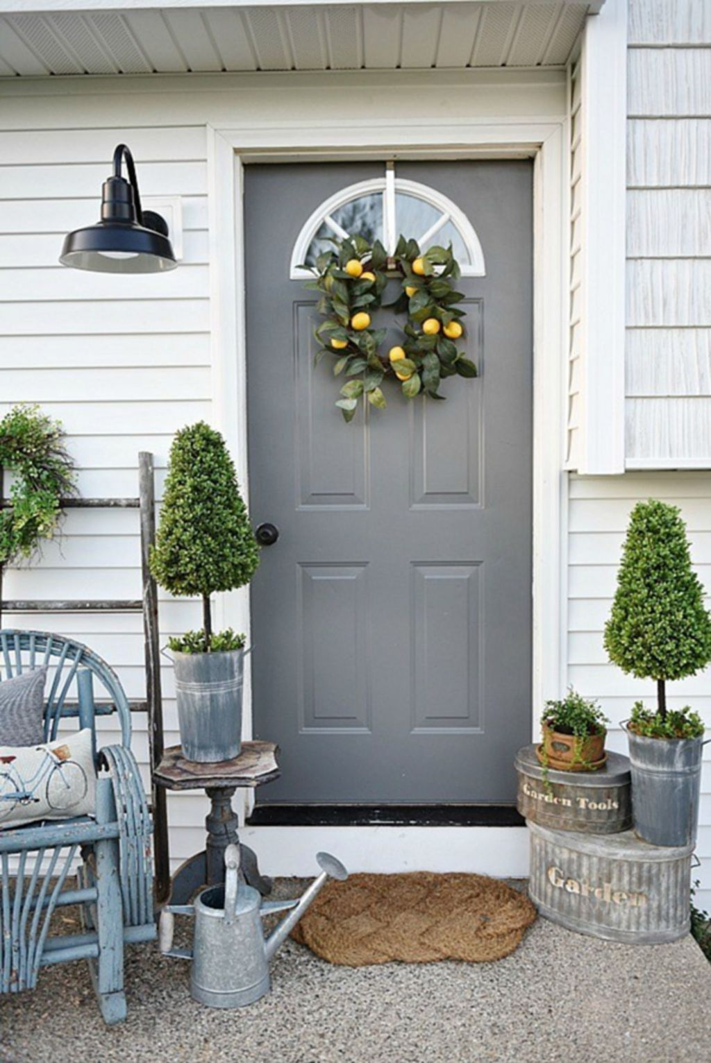 Fascinating Spring Porch Decor Ideas With Farmhouse Style 29