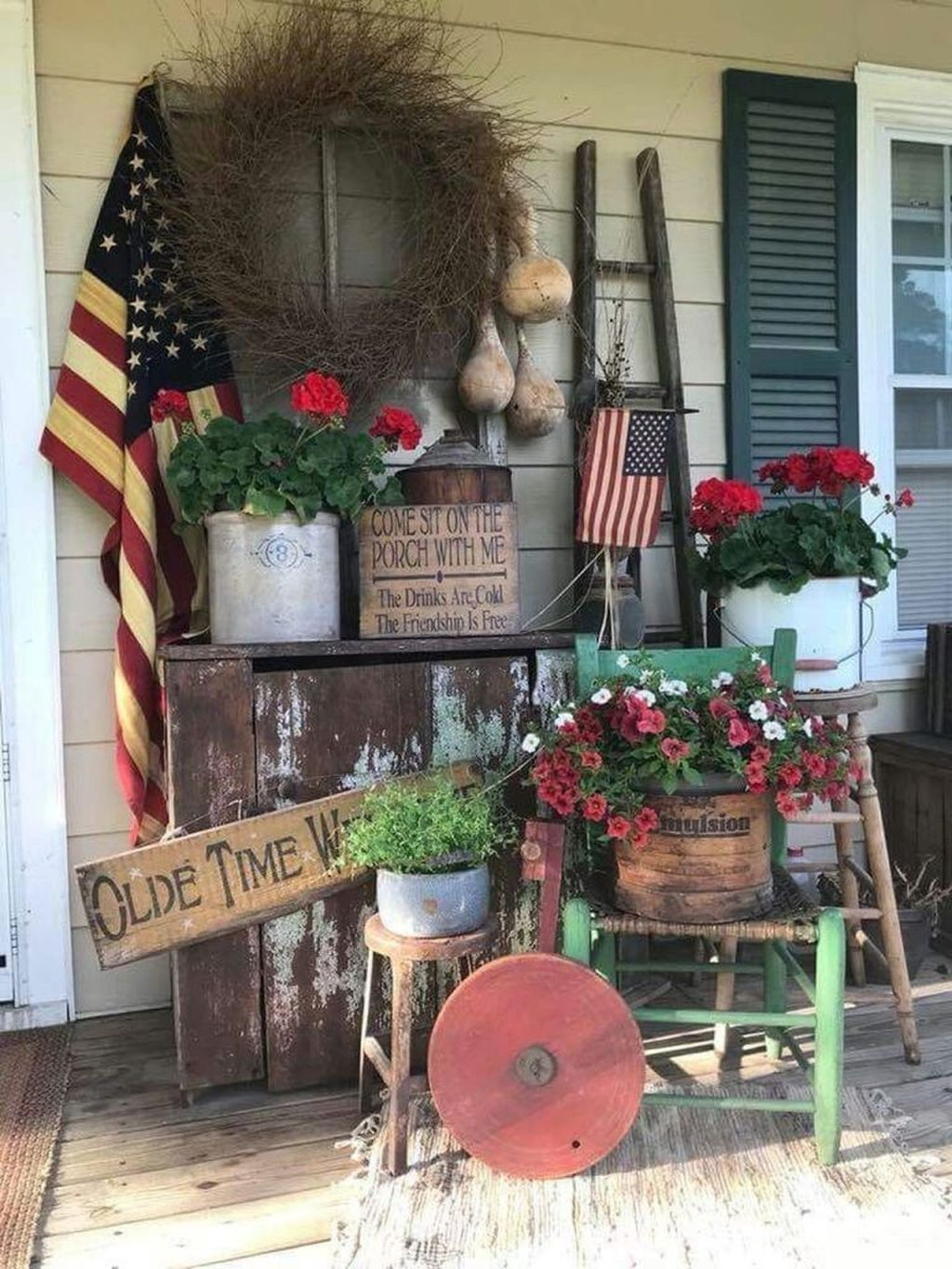 Fascinating Spring Porch Decor Ideas With Farmhouse Style 31