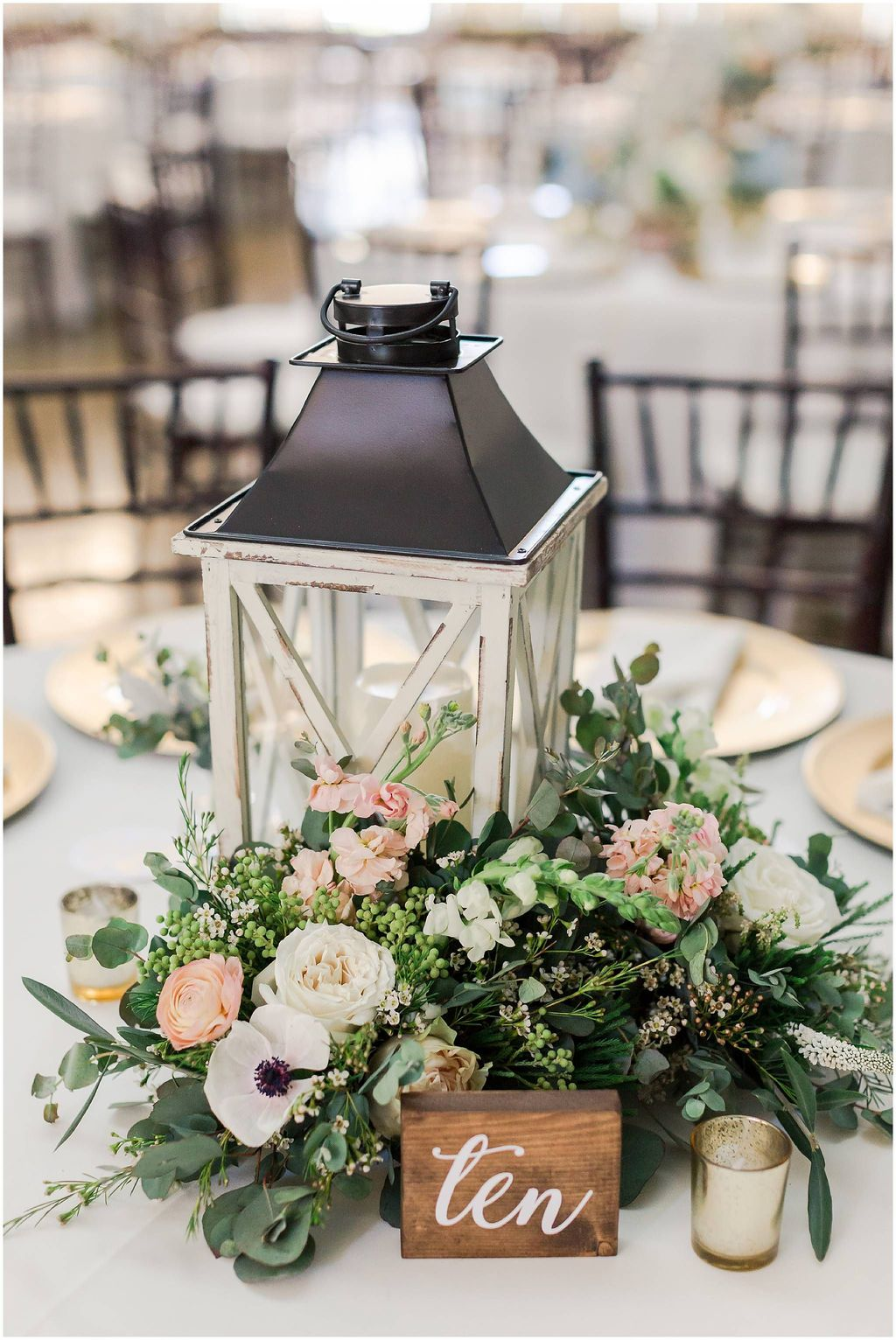 Inspiring Spring Table Centerpieces Best For Dining Room 12