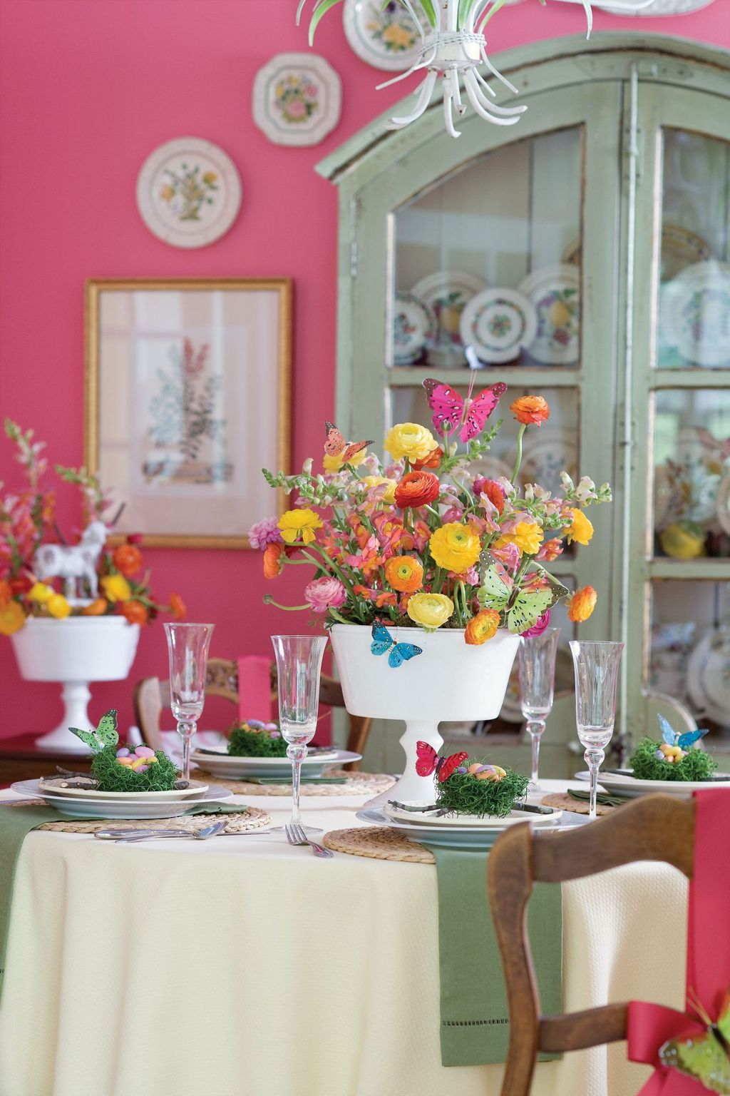 Inspiring Spring Table Centerpieces Best For Dining Room 13