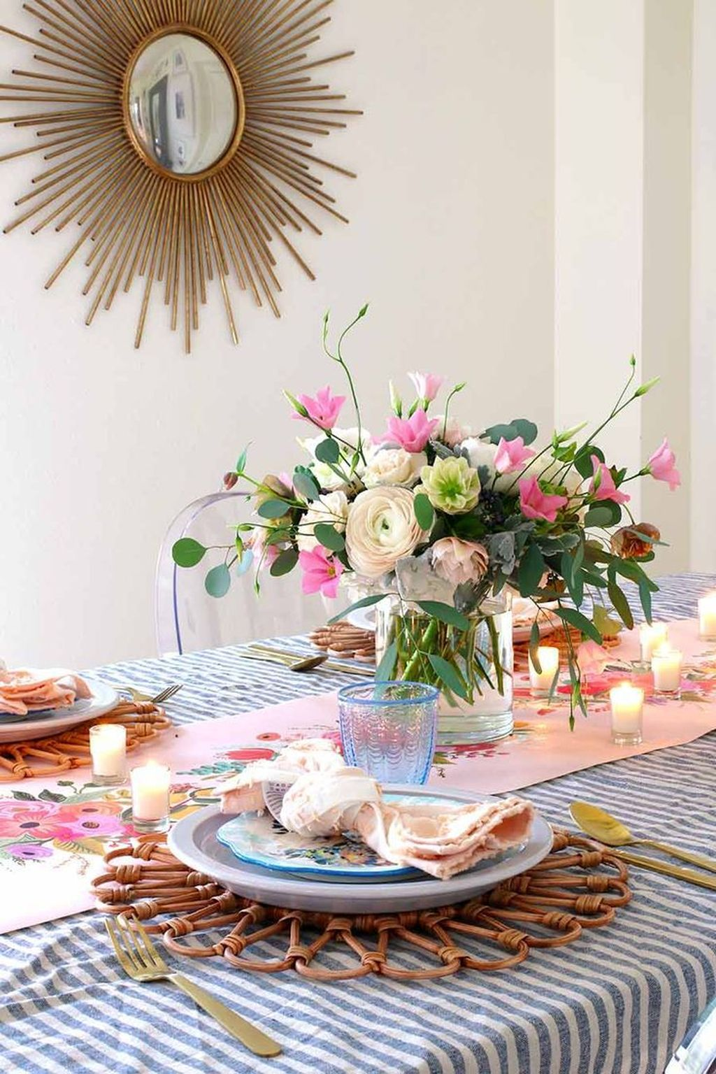 Inspiring Spring Table Centerpieces Best For Dining Room 19