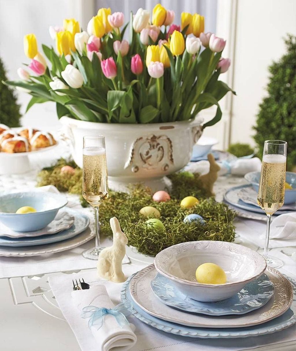 Inspiring Spring Table Centerpieces Best For Dining Room 23