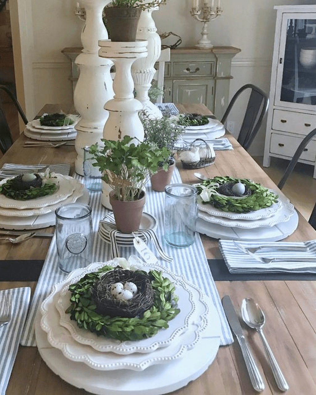 Inspiring Spring Table Centerpieces Best For Dining Room 26