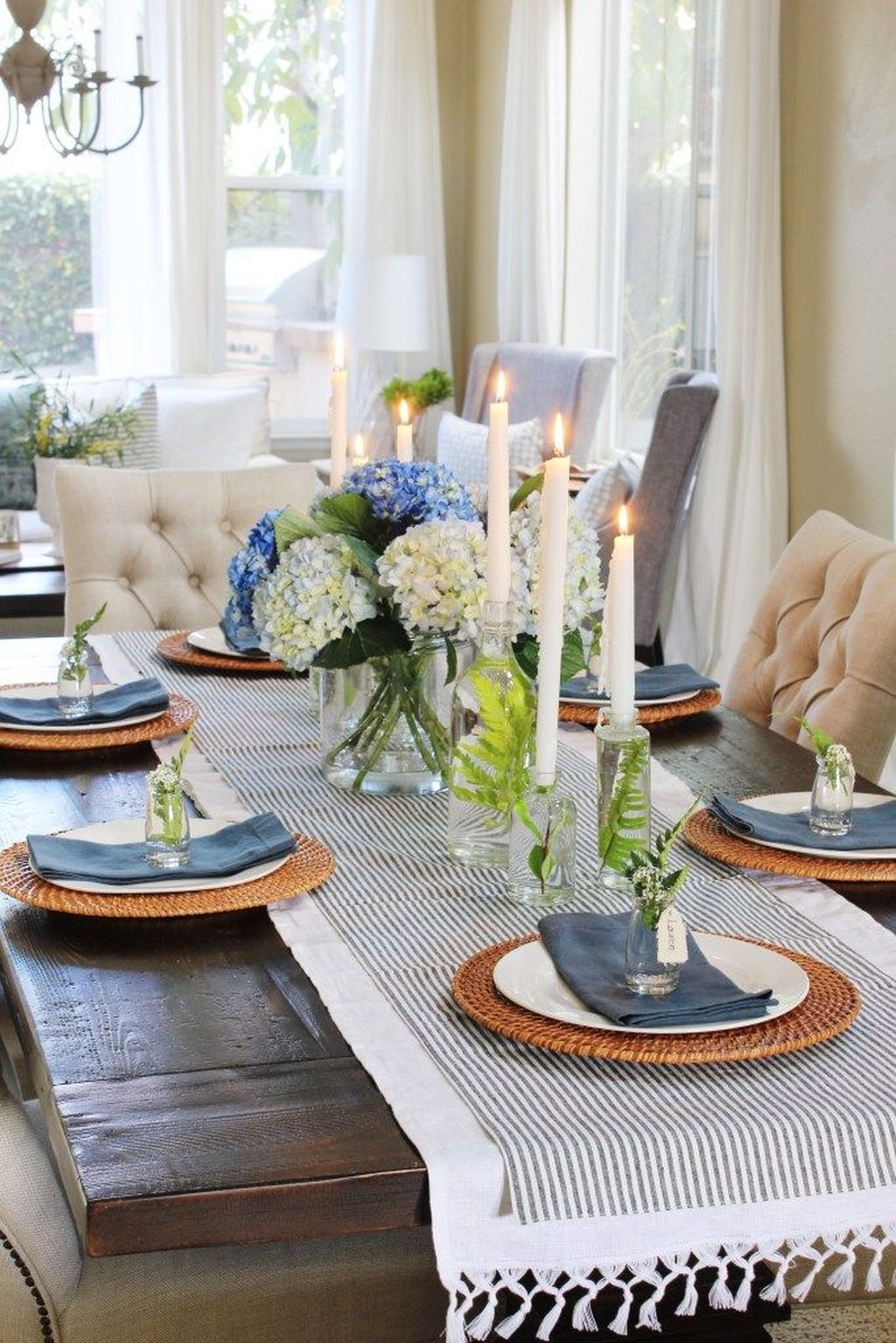Inspiring Spring Table Centerpieces Best For Dining Room 32
