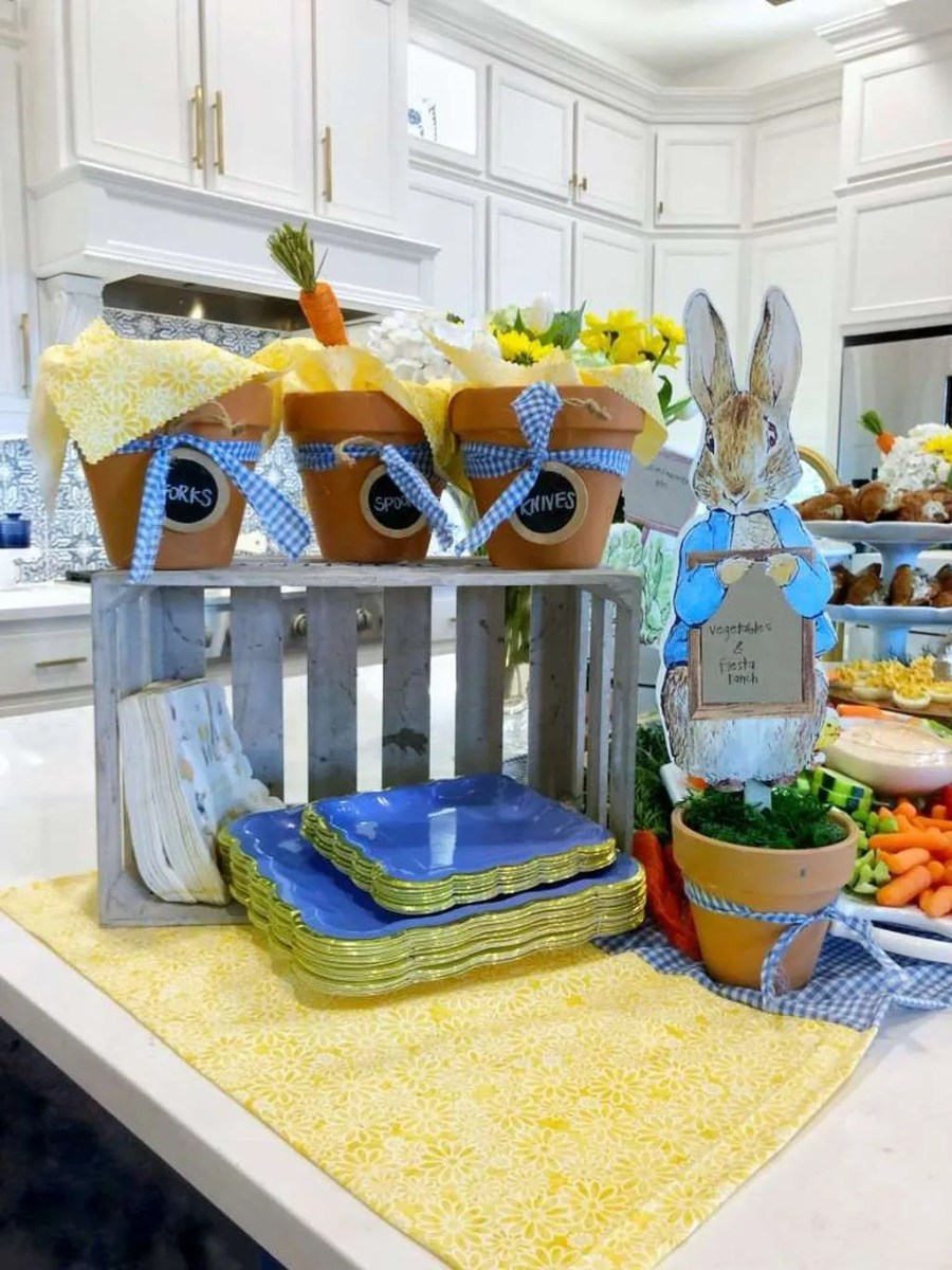 Lovely Spring Baby Shower Themes Decor Ideas 26