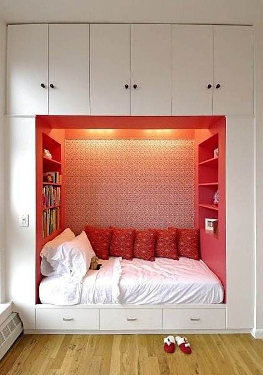 Stunning Bedroom Storage Ideas 29