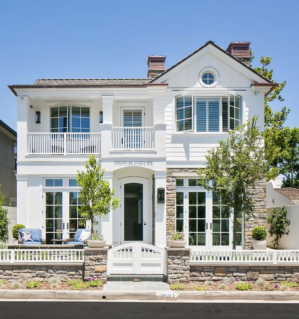 Admirable Beach House Exterior Design Ideas You Will Love 14