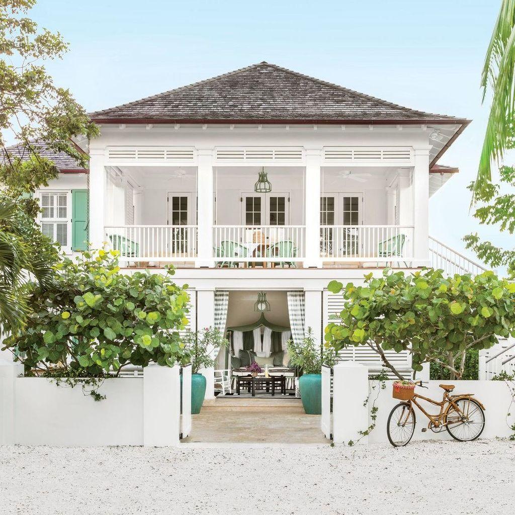 Admirable Beach House Exterior Design Ideas You Will Love 21