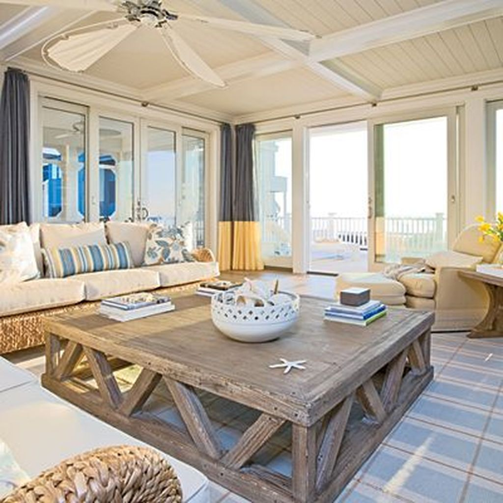 Beautiful Coastal Living Room Decor Ideas Best For This Summer 27