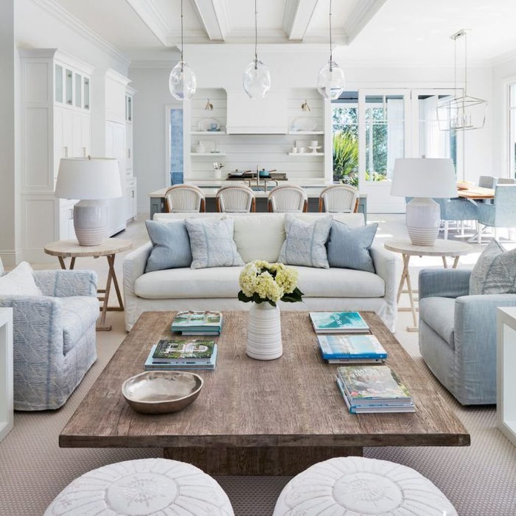 Beautiful Coastal Living Room Decor Ideas Best For This Summer 32