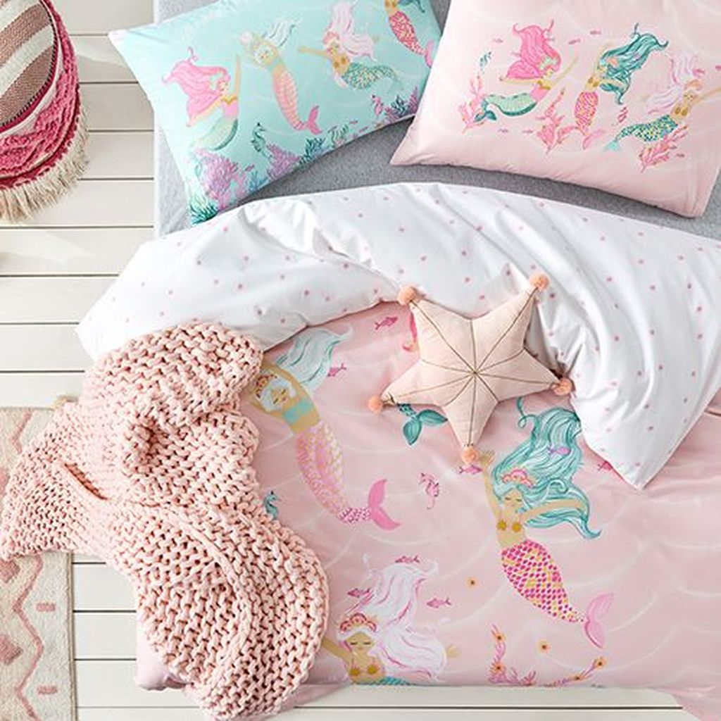Beautiful Mermaid Theme Bedroom Decor Ideas For Girls 25