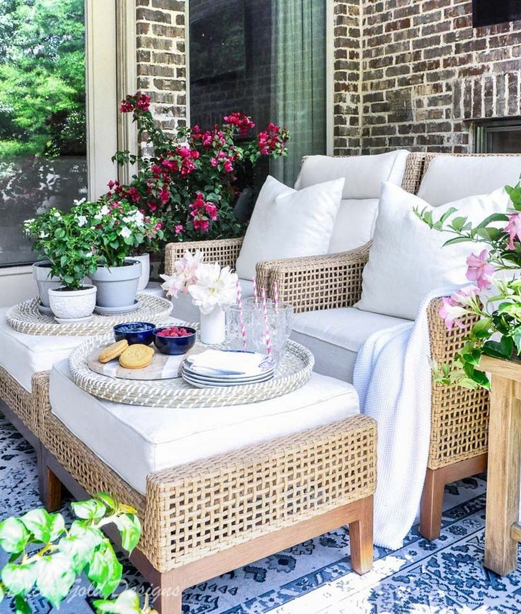 Fascinating Summer Patio Ideas To Beautify Your Garden 05
