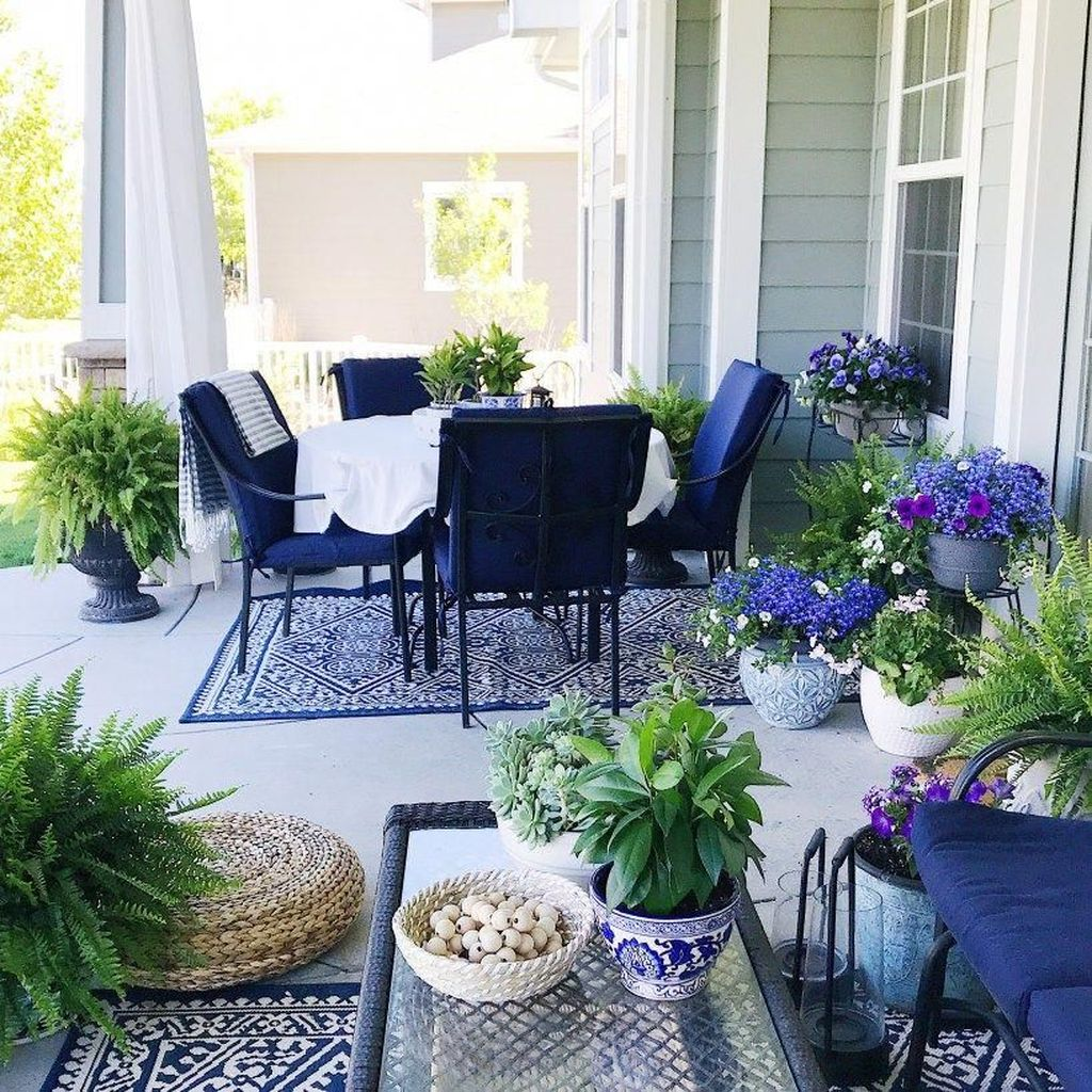 Fascinating Summer Patio Ideas To Beautify Your Garden 29
