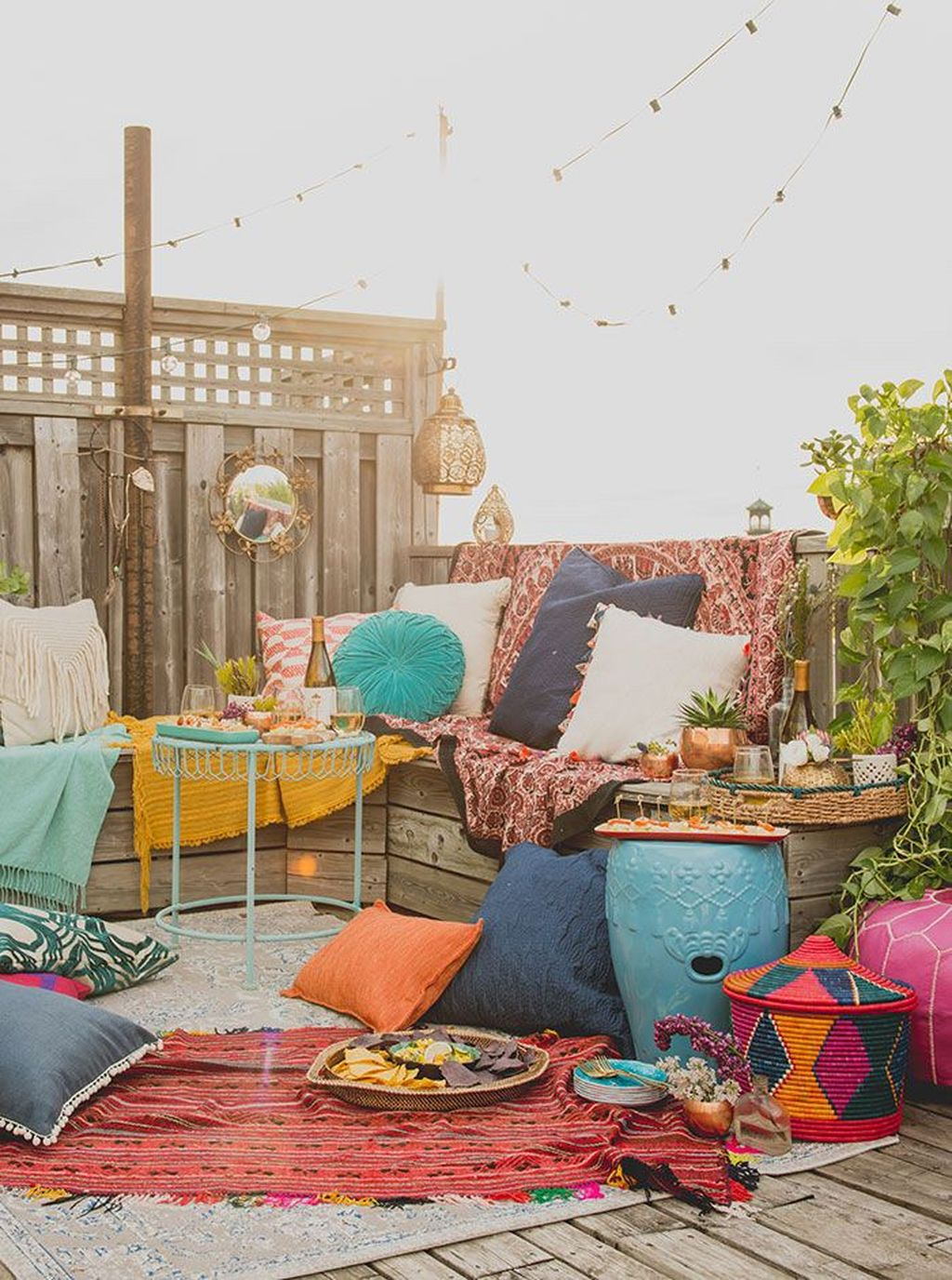 Fascinating Summer Patio Ideas To Beautify Your Garden 33