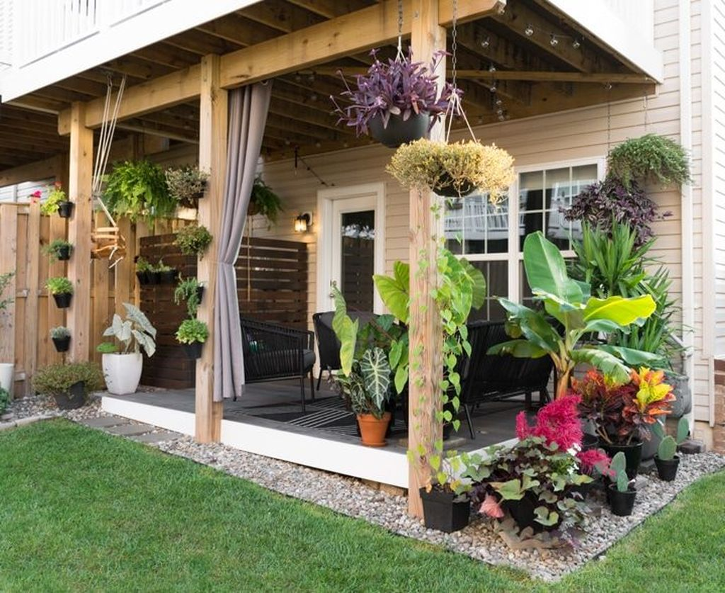 Fascinating Summer Patio Ideas To Beautify Your Garden 35