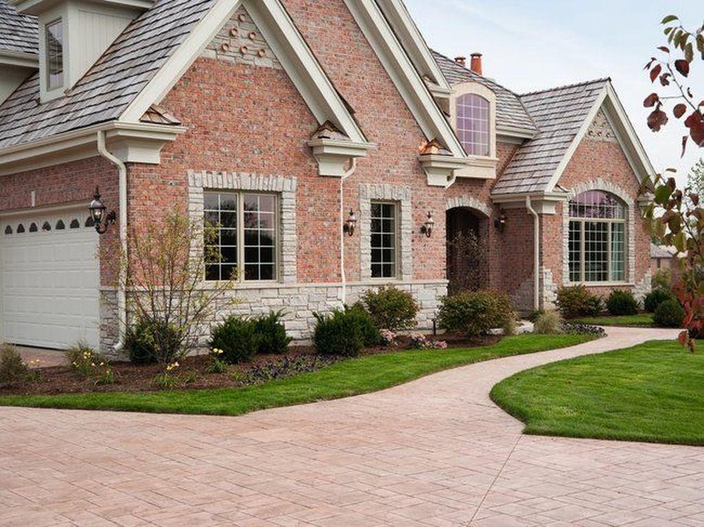 Impressive Brick House Exterior Design Ideas That You Definitely Like 05
