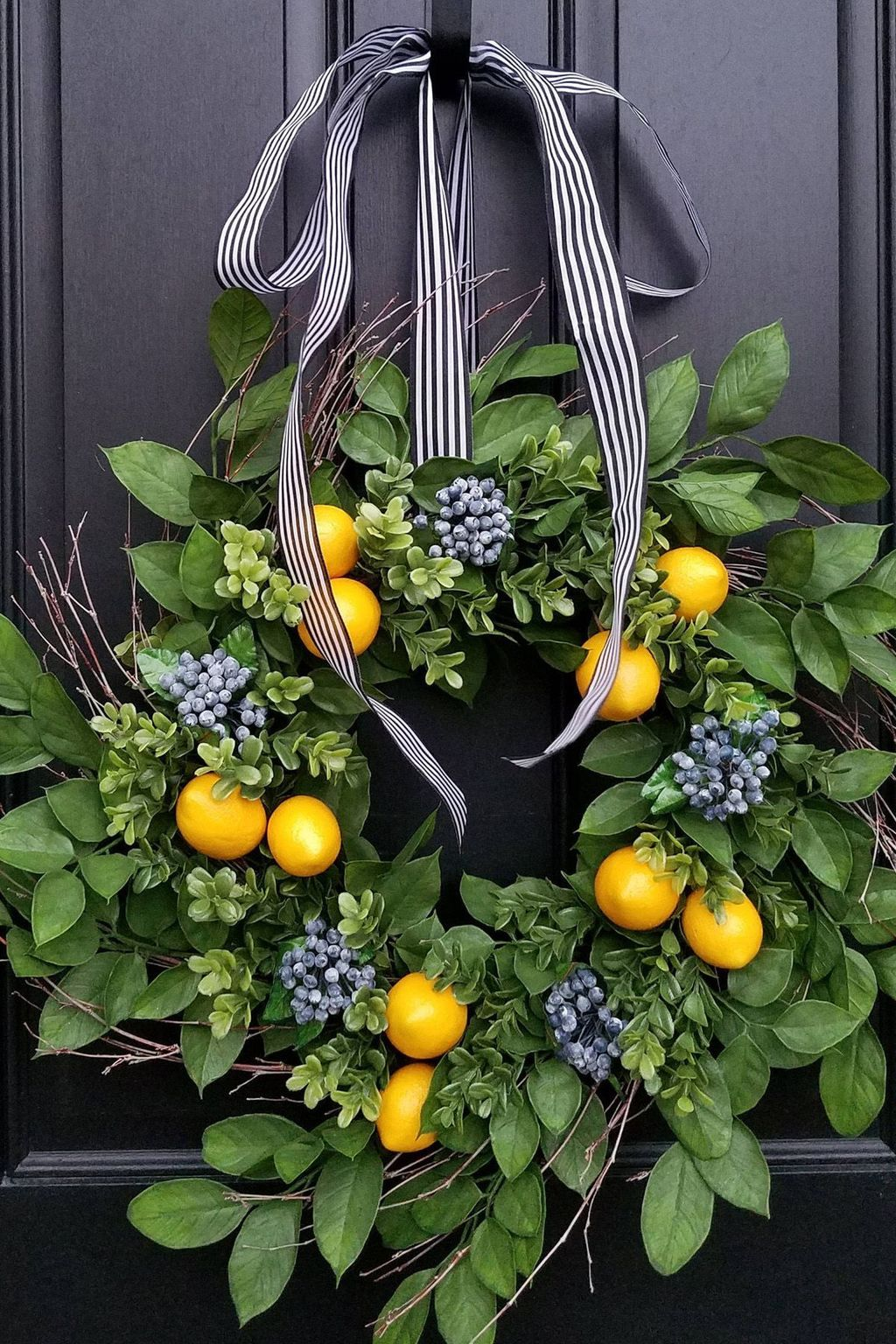 Inspiring Summer Wreath Design Ideas You Should Copy 30