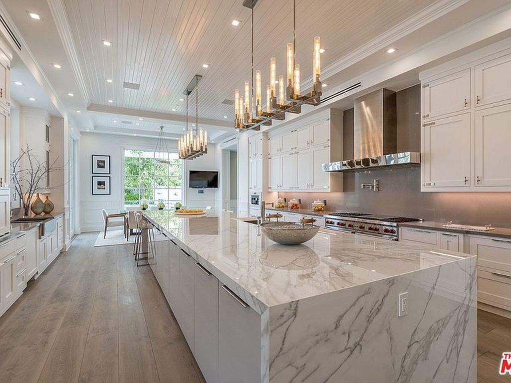 Lovely Luxury Kitchen Design Ideas You Never Seen Before 34