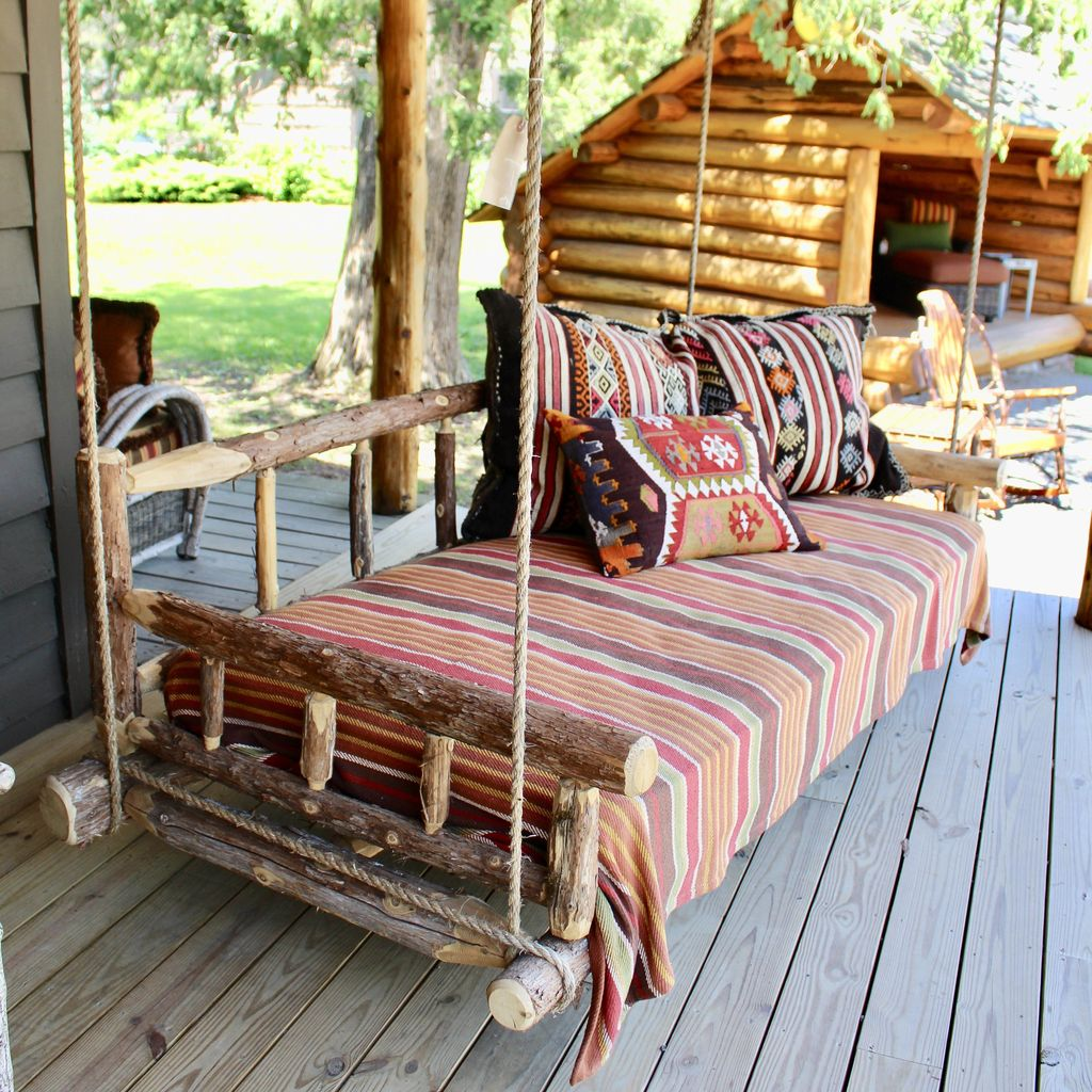 Lovely Rustic Porch Ideas To Beautify Your Home 19