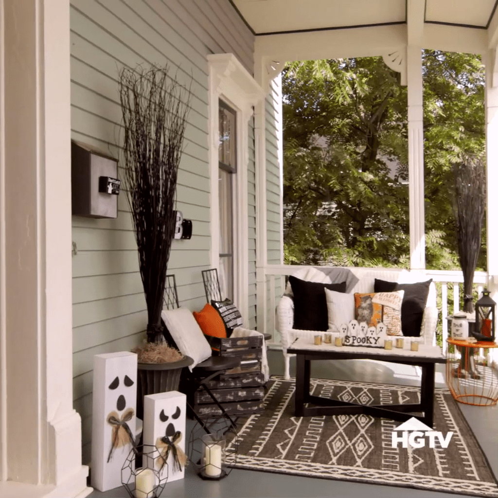 Lovely Rustic Porch Ideas To Beautify Your Home 24
