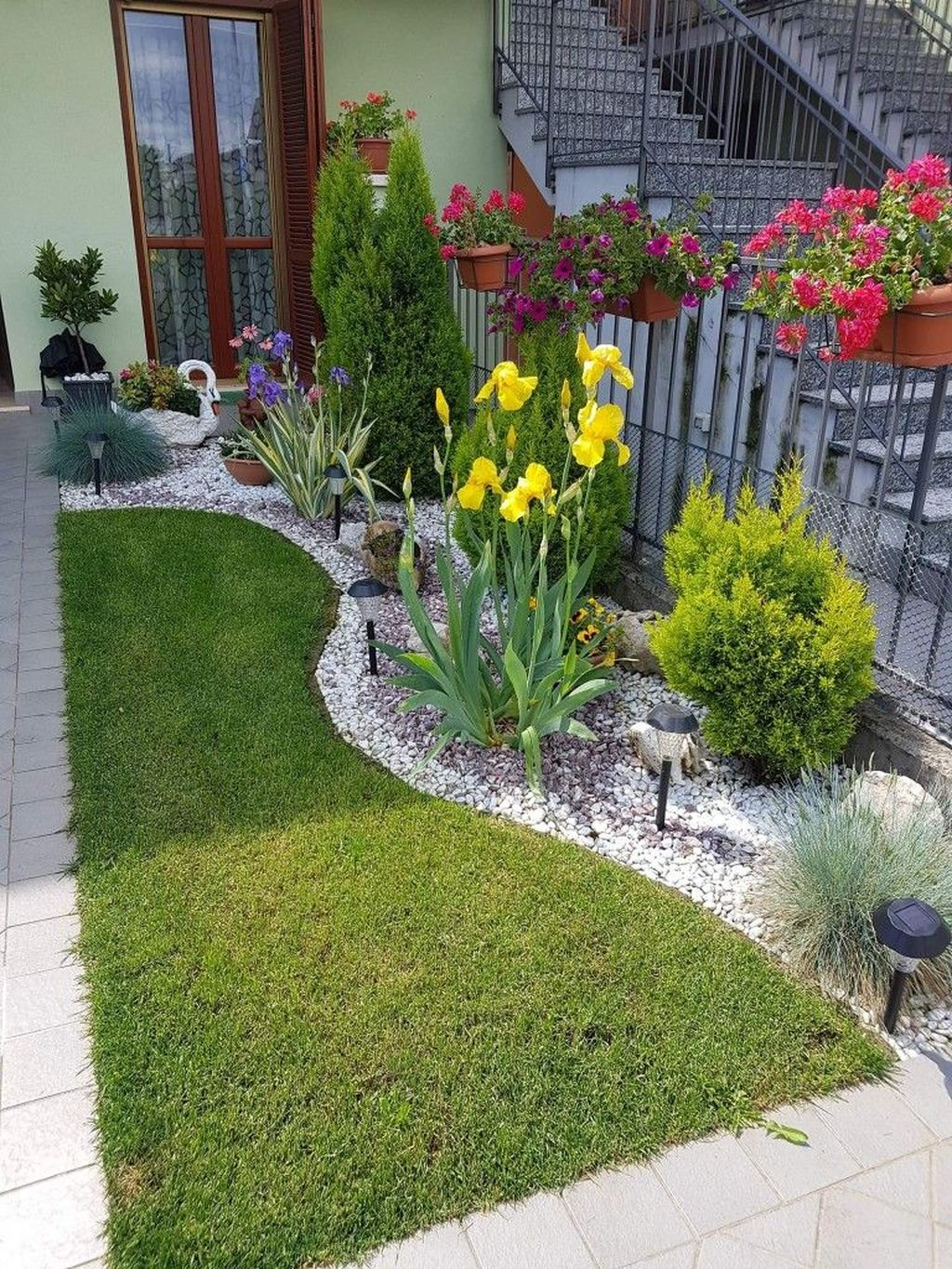 Nice Minimalist Backyard Landscaping Design Ideas You Will Love 11