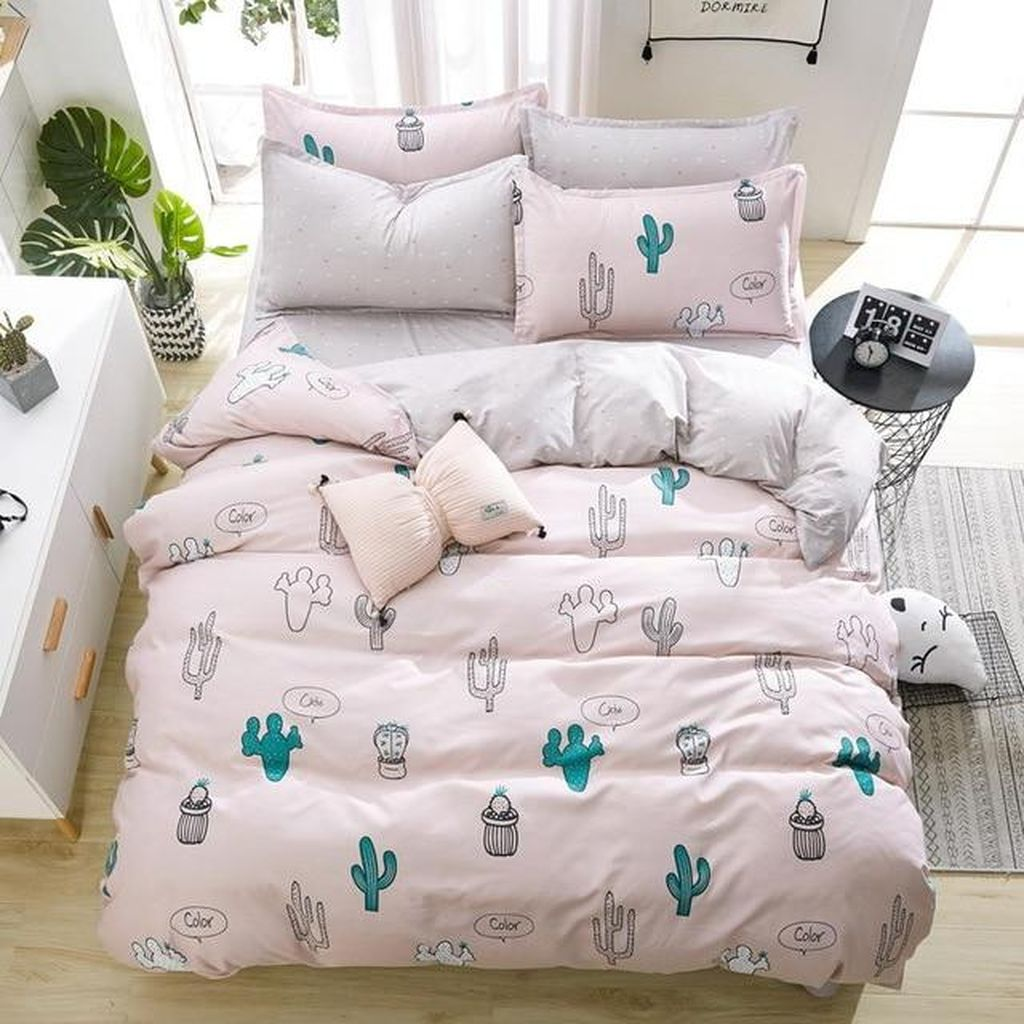Popular Summer Bedding Ideas To Beautify Your Bedroom 03