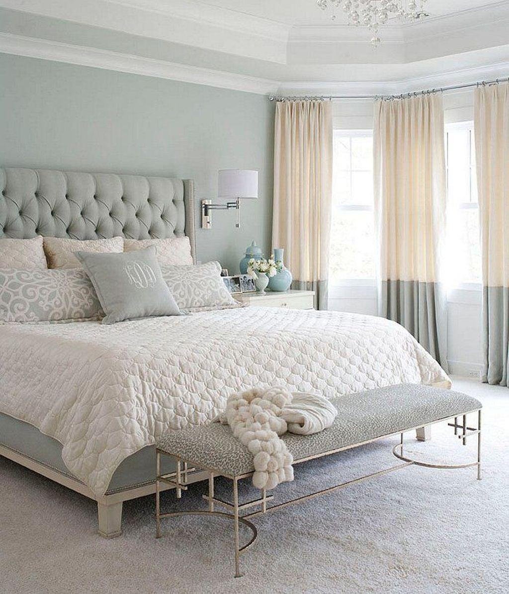 Popular Summer Bedding Ideas To Beautify Your Bedroom 11