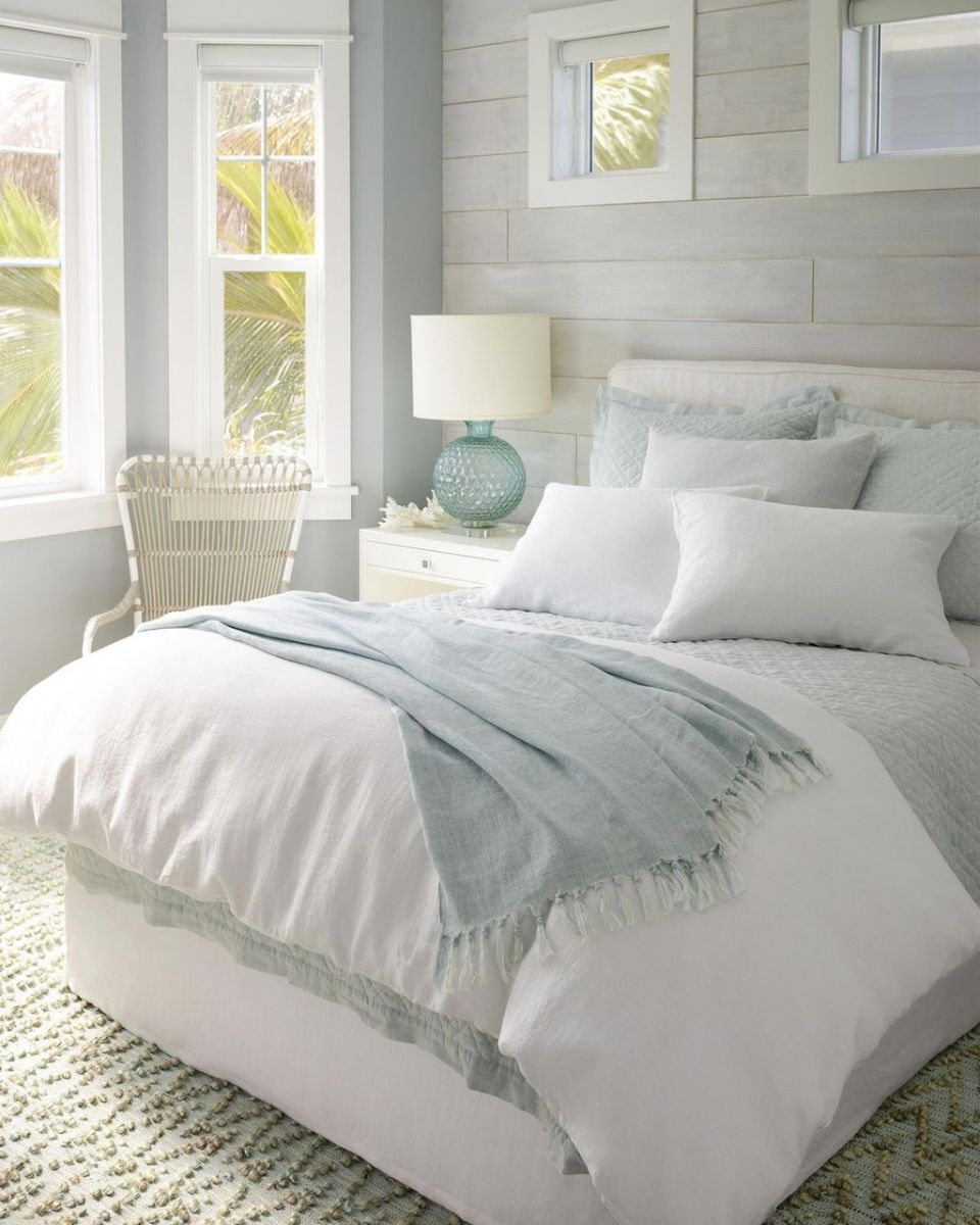 Popular Summer Bedding Ideas To Beautify Your Bedroom 19