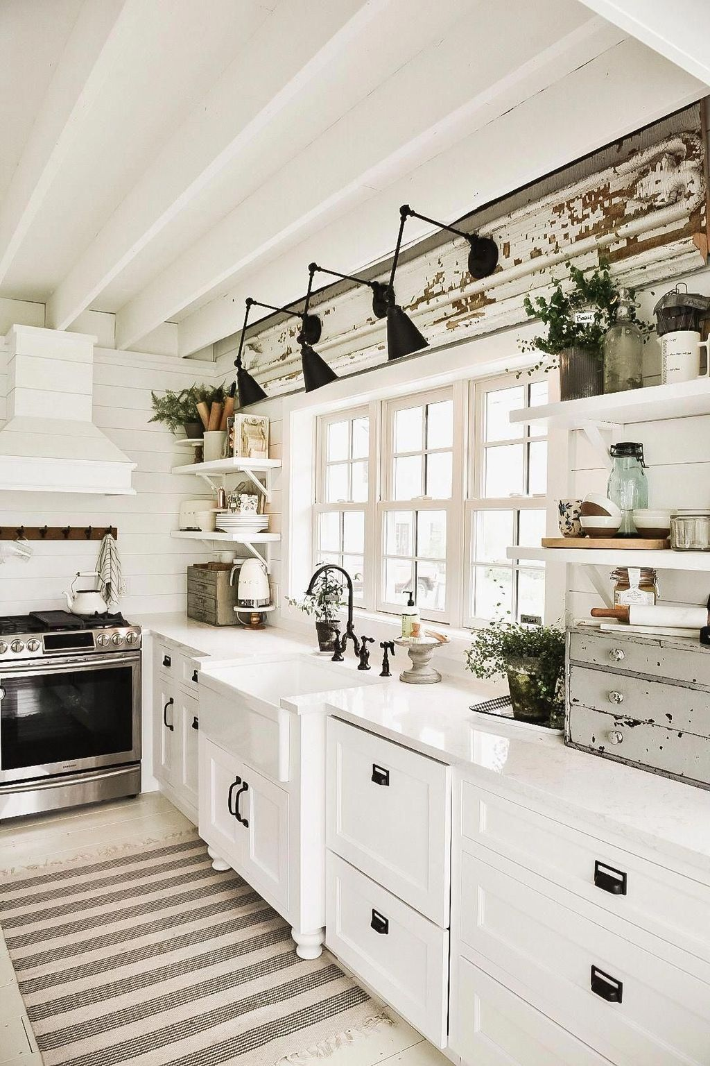 The Best Modern Farmhouse Kitchen Design Ideas 16