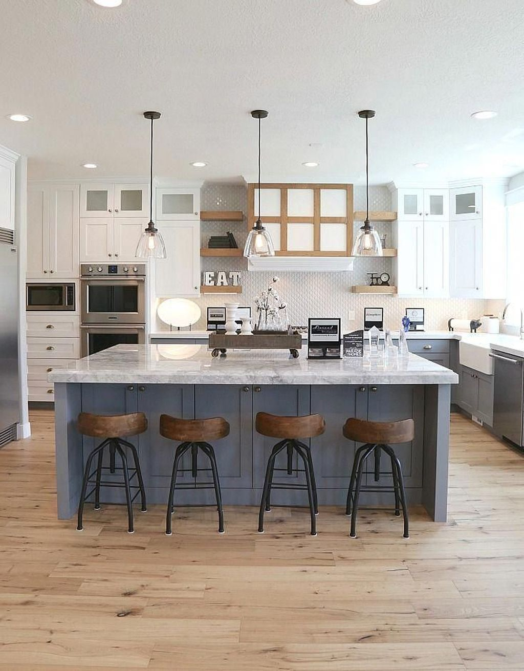 The Best Modern Farmhouse Kitchen Design Ideas 17