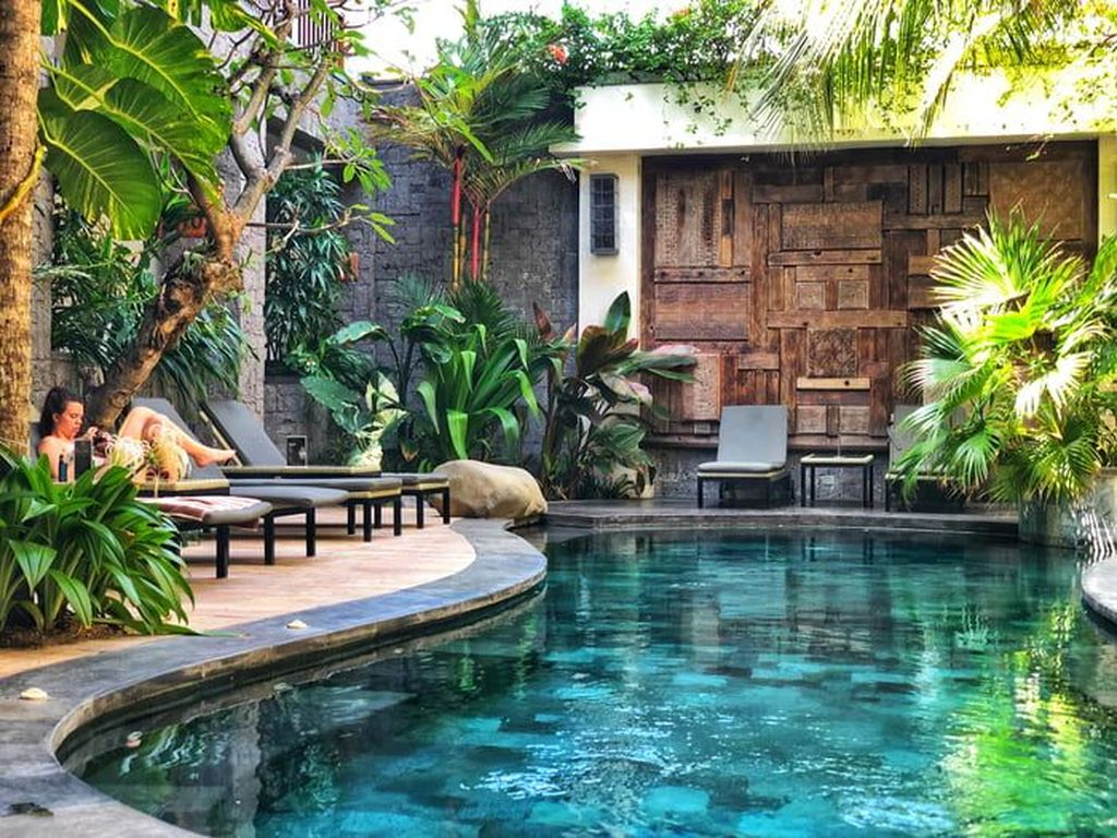 The Best Natural Small Pools Design Ideas You Will Love 20