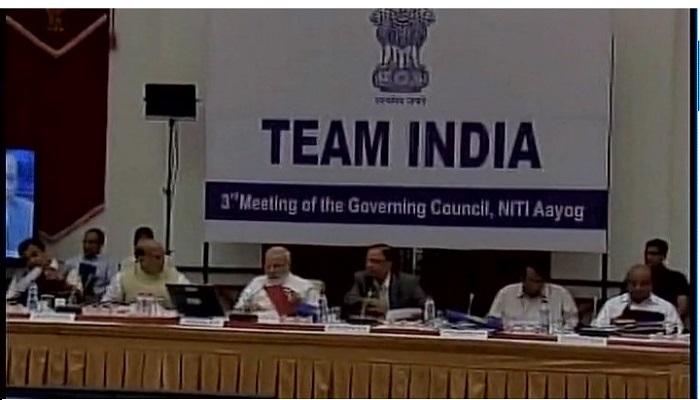 पंतप्रधानांच्या अध्यक्षतेखाली नीती आयोगाची बैठक, राज्यांचे मुख्यमंत्री उपस्थित